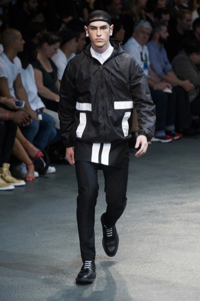 Givenchy-2015-Men-Spring-Summer-Paris-Fashion-Week-025