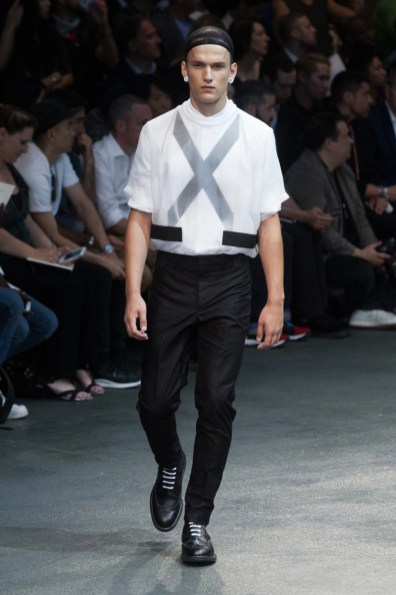 Givenchy-2015-Men-Spring-Summer-Paris-Fashion-Week-026