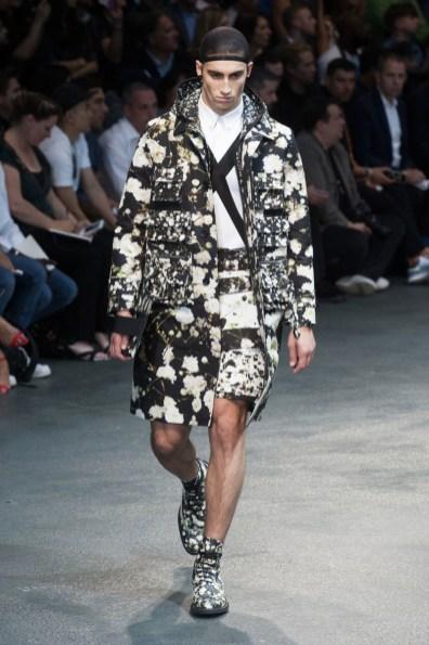 Givenchy-2015-Men-Spring-Summer-Paris-Fashion-Week-038
