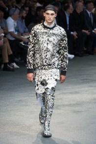 Givenchy-2015-Men-Spring-Summer-Paris-Fashion-Week-040