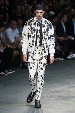 Givenchy-2015-Men-Spring-Summer-Paris-Fashion-Week-045