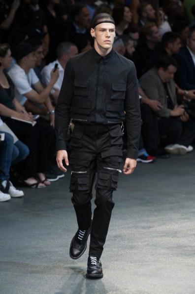Givenchy-2015-Men-Spring-Summer-Paris-Fashion-Week-052