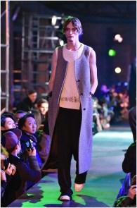 Raf-Simons-Fall-Winter-2015-Menswear-Collection-Paris-Fashion-Week-003
