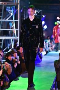 Raf-Simons-Fall-Winter-2015-Menswear-Collection-Paris-Fashion-Week-009