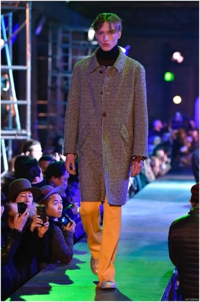 Raf-Simons-Fall-Winter-2015-Menswear-Collection-Paris-Fashion-Week-012