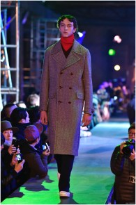 Raf-Simons-Fall-Winter-2015-Menswear-Collection-Paris-Fashion-Week-022