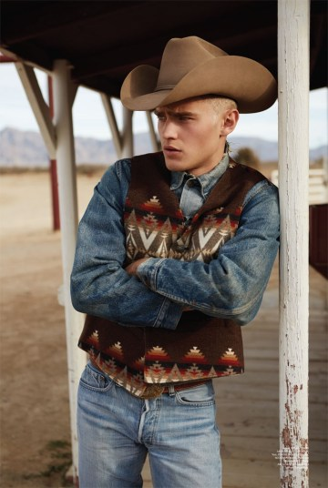 Western Style Bo Develius Embraces Cowboy Fashions For
