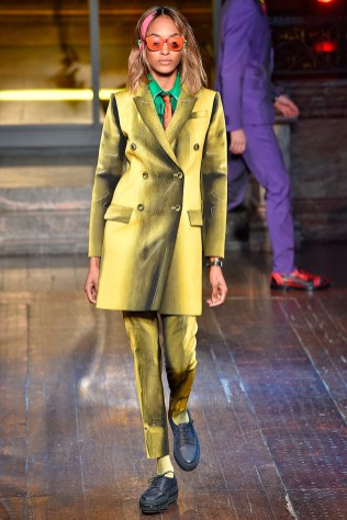Moschino-2016-Fall-Winter-Mens-Collection-005