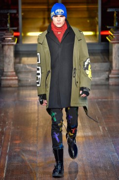 Moschino-2016-Fall-Winter-Mens-Collection-020