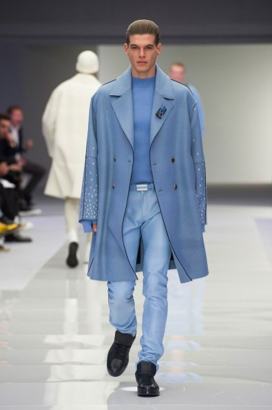 Versace-2016-Fall-Winter-Mens-Collection-018