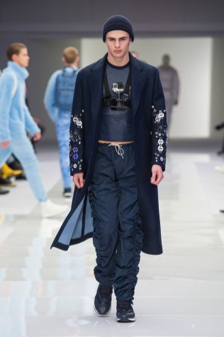Versace-2016-Fall-Winter-Mens-Collection-024