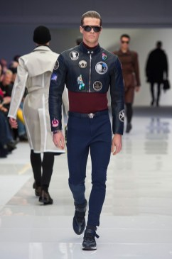 Versace-2016-Fall-Winter-Mens-Collection-036