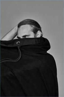 Joaquin-Phoenix-2018-LOfficiel-Hommes-Cover-Photo-Shoot-002