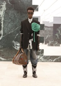 Louis-Vuitton-Fall-Winter-2021-Mens-Collection-025