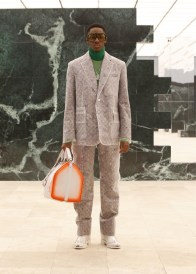 Louis-Vuitton-Fall-Winter-2021-Mens-Collection-036