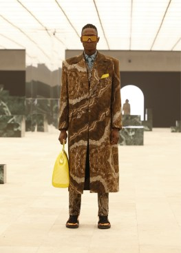 Louis-Vuitton-Fall-Winter-2021-Mens-Collection-059