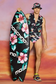 Moschino-Resort-2022-Mens-Collection-Lookbook-016