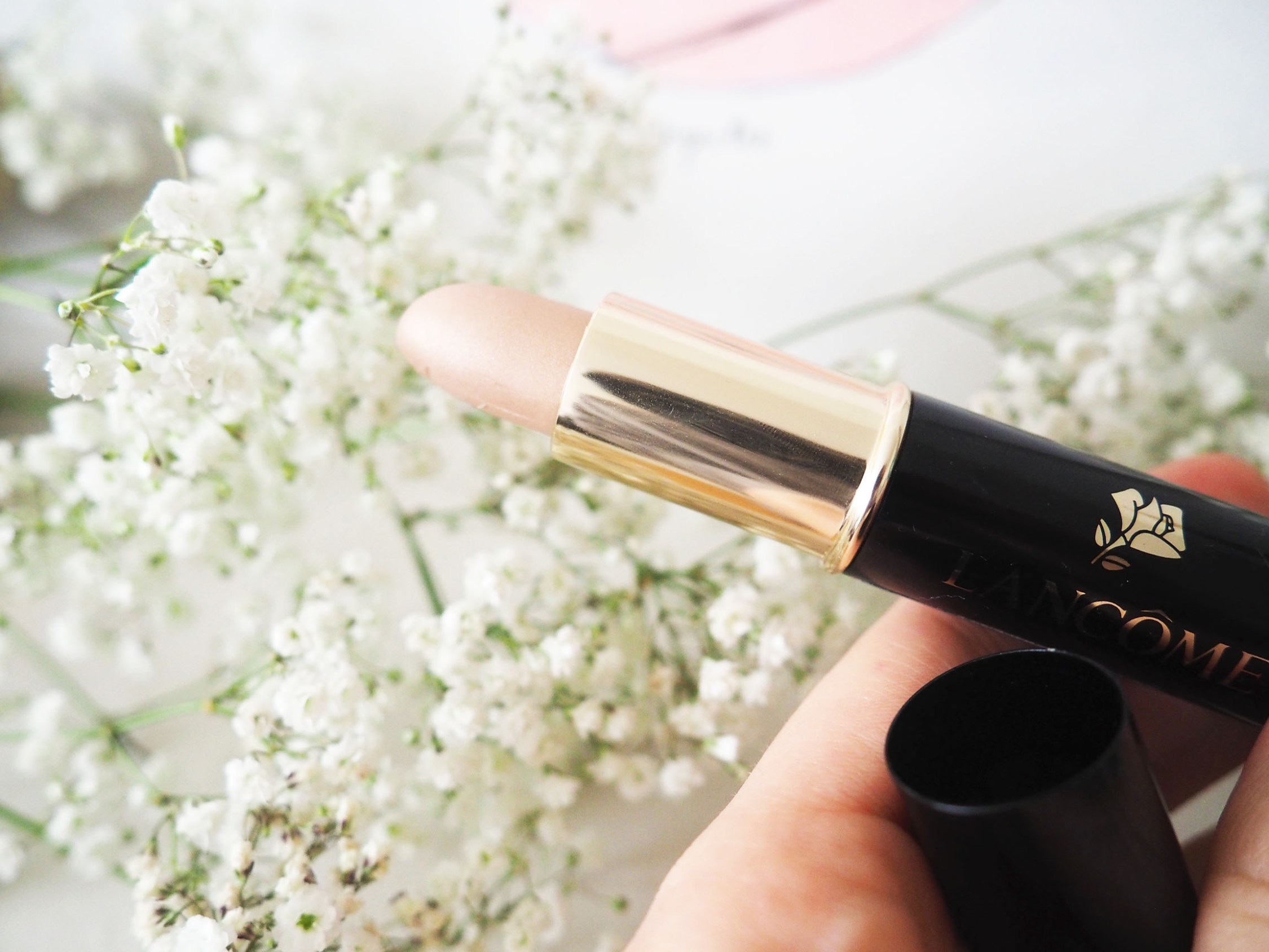 the perfect contour stick for pale skin beauties