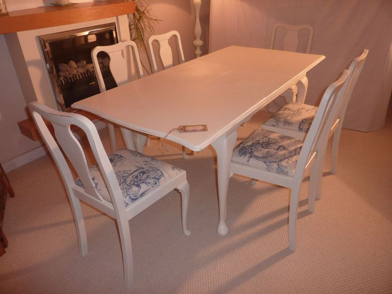 Shabby Chic Extendable Dining Table with 6 ChairsPainted