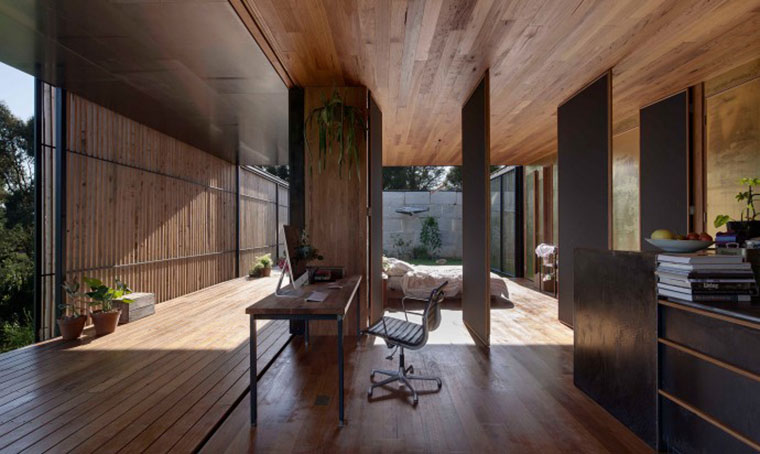 Pivoting walls and doors make for a highly flexible, adaptable living space. Photo by Ben Hosking.
