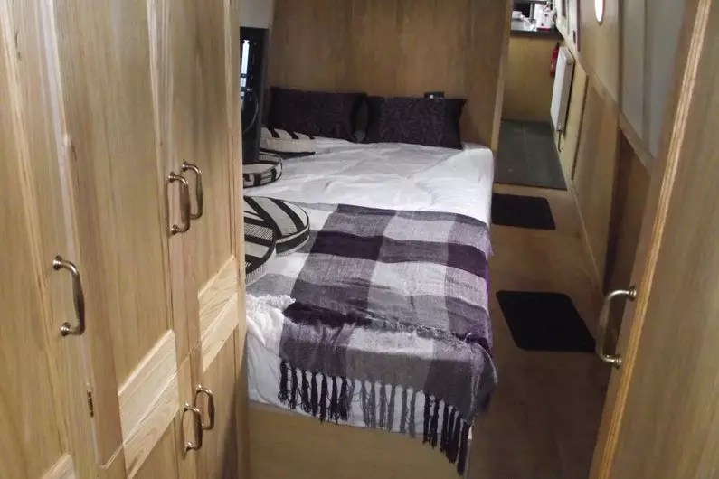 Guide to Narrowboat Beds  Mattresses  Preventing