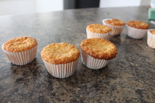 angel food cake muffins