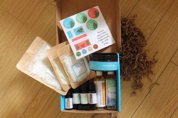simply earth subscription box essential oils