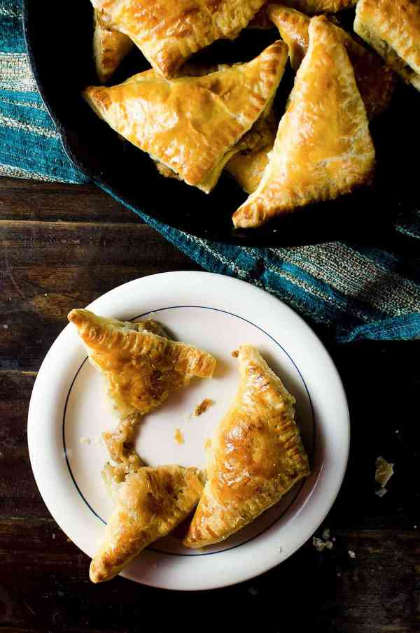 Mini Cheesy French Onion Pies The Flavor Bender