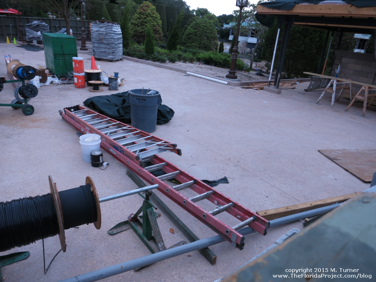 hight resolution of magic kingdom hub construction update august 16 2015 mk construction aug1615e