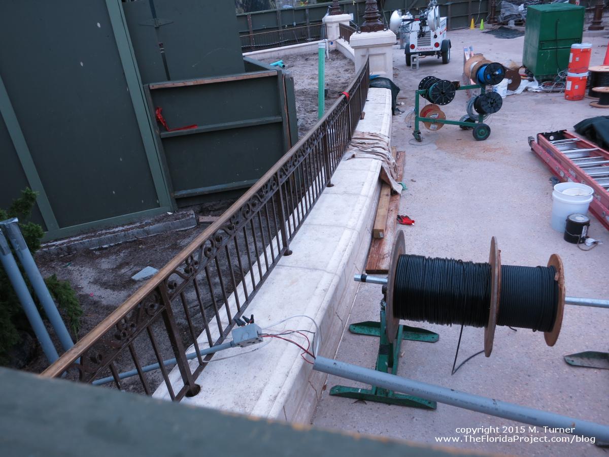 hight resolution of magic kingdom hub construction update august 16 2015 mk construction aug1615f