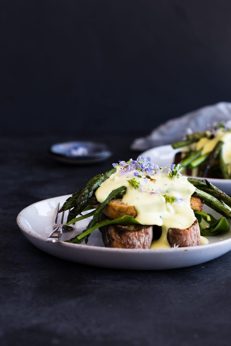 asparagus-tofu-benedict-macadamia-hollandaise-vegan-24-of-1