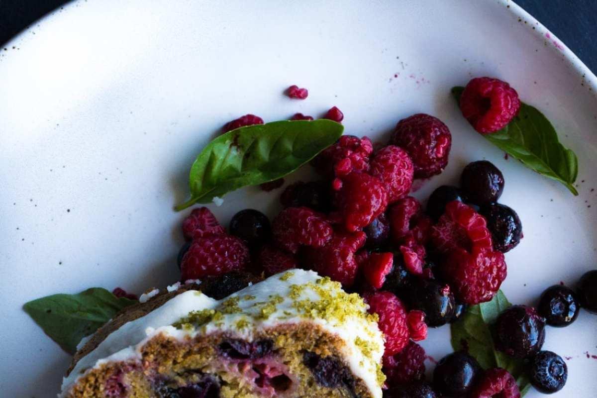 oliveoil-berry-bundt-cake-basil-sugar-7-of-1