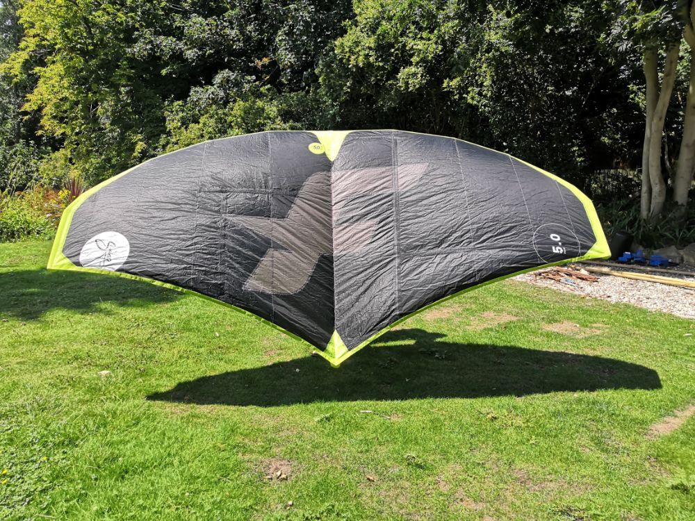 Swing kite wing top