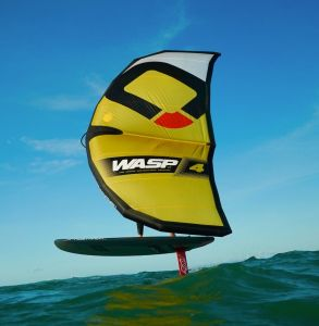 AXIS Foil and OZONE Wasp wing in New Zealand