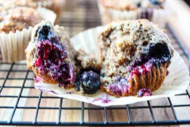 A close up of a muffin
