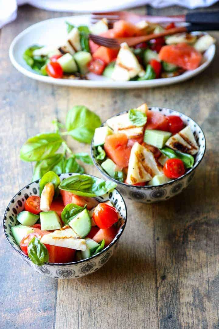 A bowl of salad, with Halloumi and Garnish