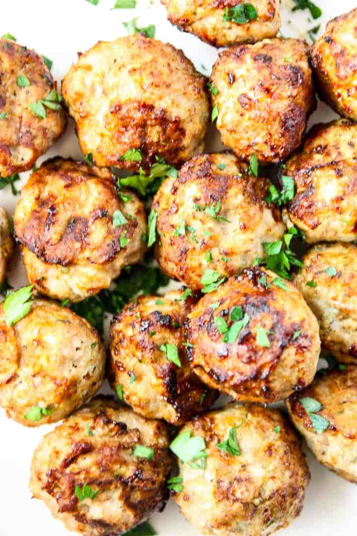 Close up of cooked meatballs.