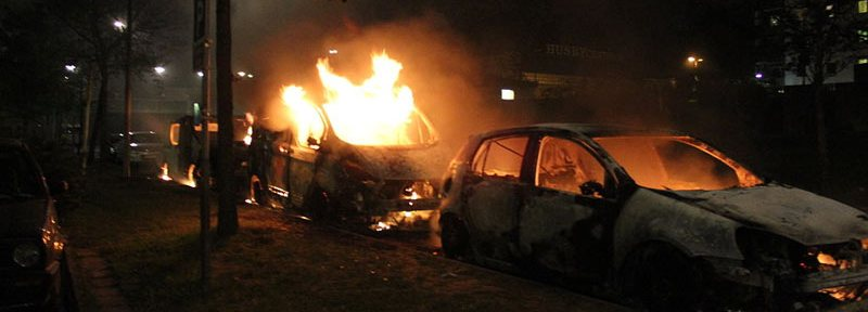 Second day of Husby riots, three burning cars