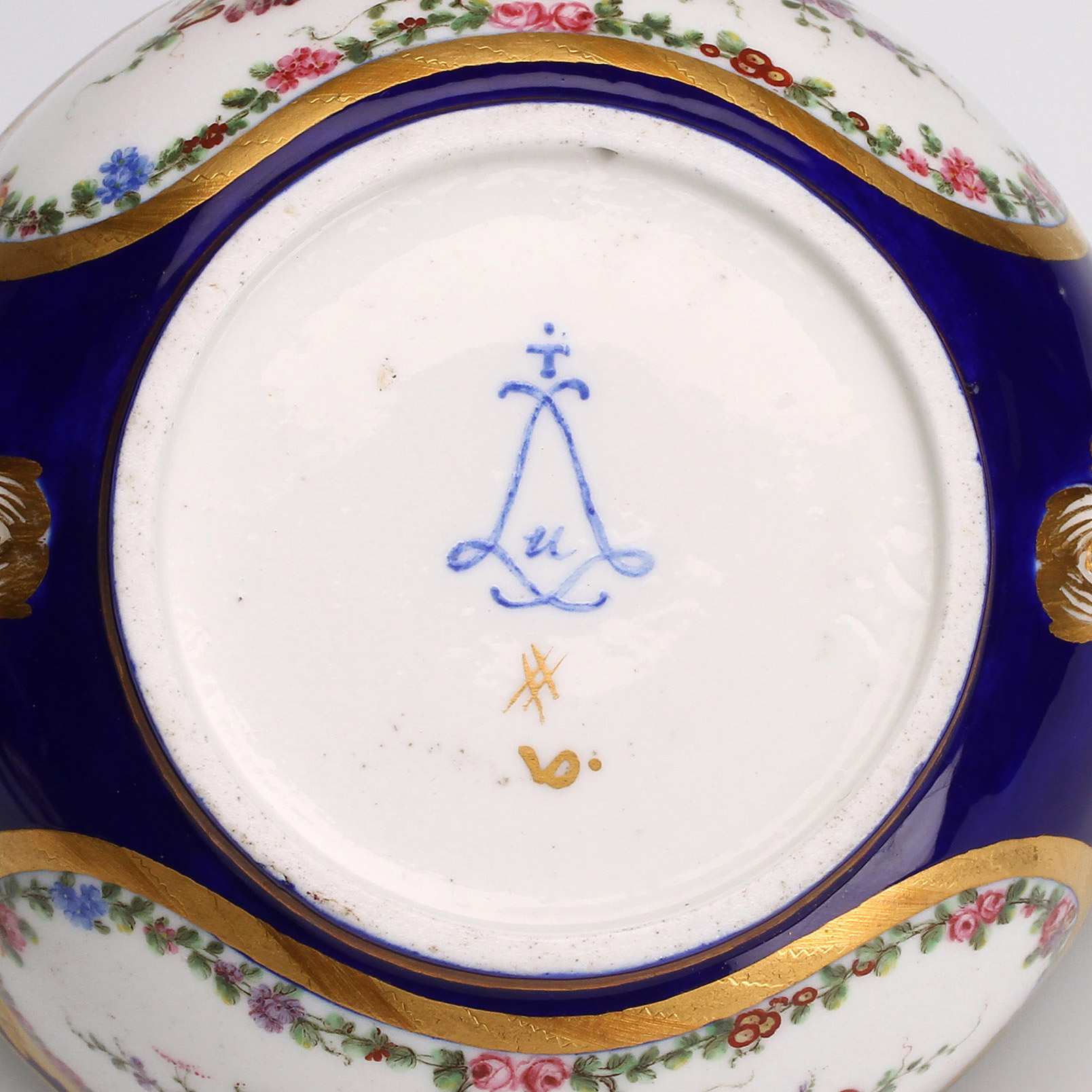 Marks  The French Porcelain Society