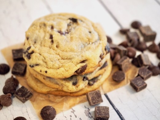 These are the BEST Chewy Chocolate Chip Cookies, look no further, you have found the perfect recipe, especially if you are baking at altitude! #thefreshcooky #chocolatechip #cookies #chewy #altitude #recipe
