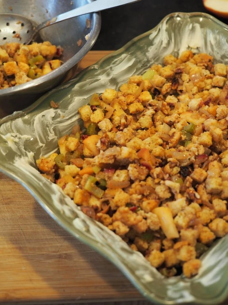 The BEST Stuffing | Dressing | www.thefreshcooky.com