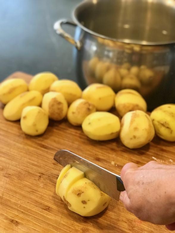 Creamy Garlic Mashed Potatoes   www.thefreshcooky.com