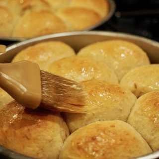 Oatmeal Dinner Rolls | www.thefreshcooky.com #oatmealrolls #oats #dinnerrolls #oatmeal #rolls