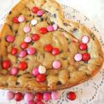 Giant Chocolate Chip Cookie | www.thefreshcooky.com