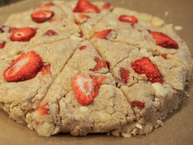 scone disc with strawberries ready for baking | www.thefreshcooky.com