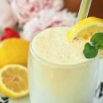 Chick-Fil-A Copycat Frosted Lemonade | www.thefreshcooky.com #frostedlemonade #frozenlemonade #lemonade #summerdrinks #copycat