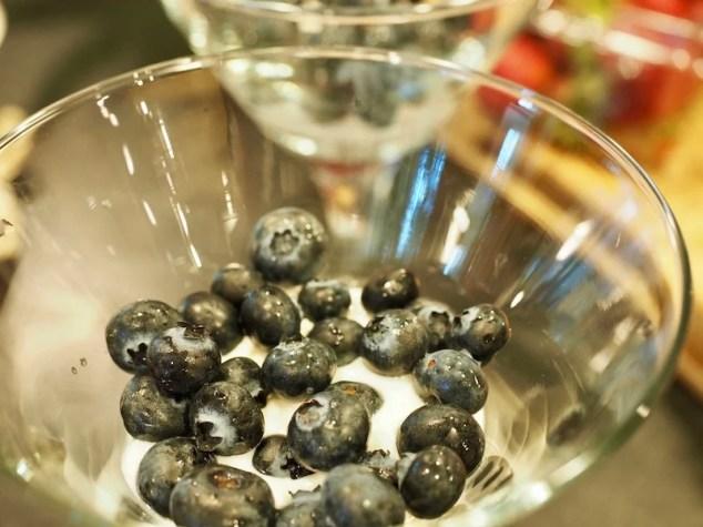 Red, White & Blueberry Yogurt Parfait #thefreshcooky #yogurtparfait #patriotic #4thofjuly #breakfast #parfait #yogurt