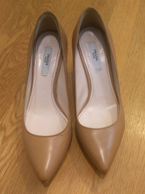 prada-shoes-best-thrift-finds