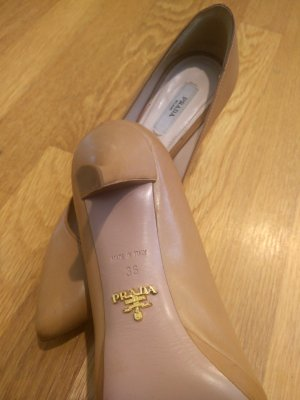 prada-shoes-best-thrift-finds