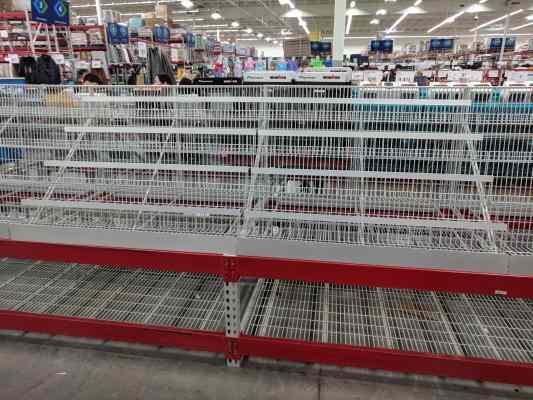 empty-shelves-store